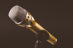 microphone-1246057_960_720